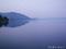 朝もやの猪苗代湖